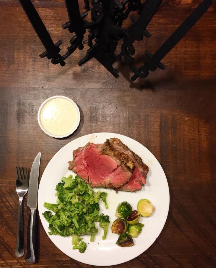 beef tenderloin horseradish