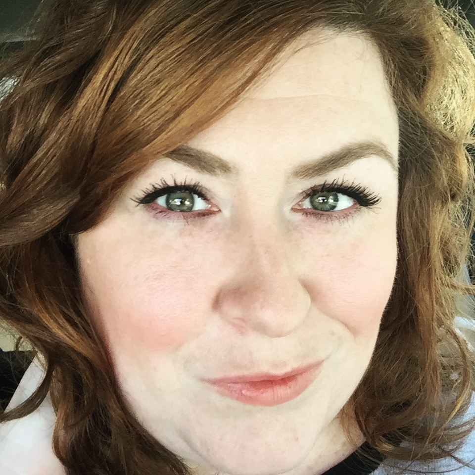 stacy-selfie-dec-beautycounter-on-real-everything