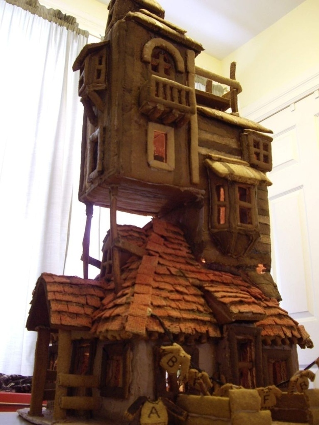 weasleys-gingerbread-burrow-house-on-real-everything